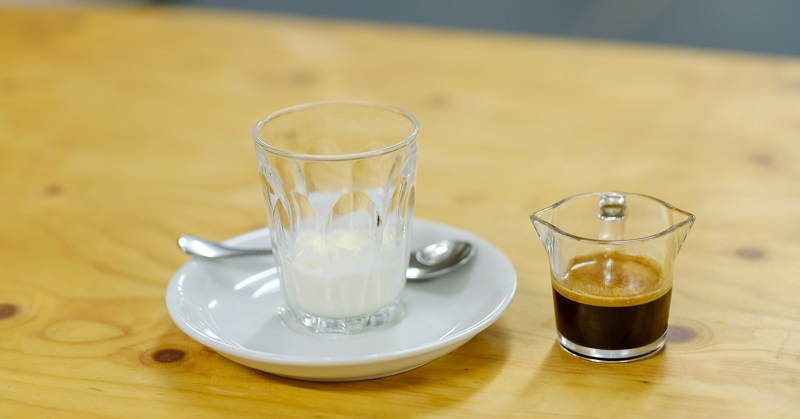 Affogato-ice-cream-and-espresso-shot
