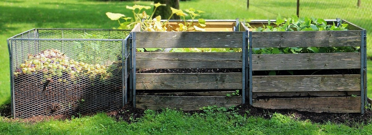 outdoor-compost-bins